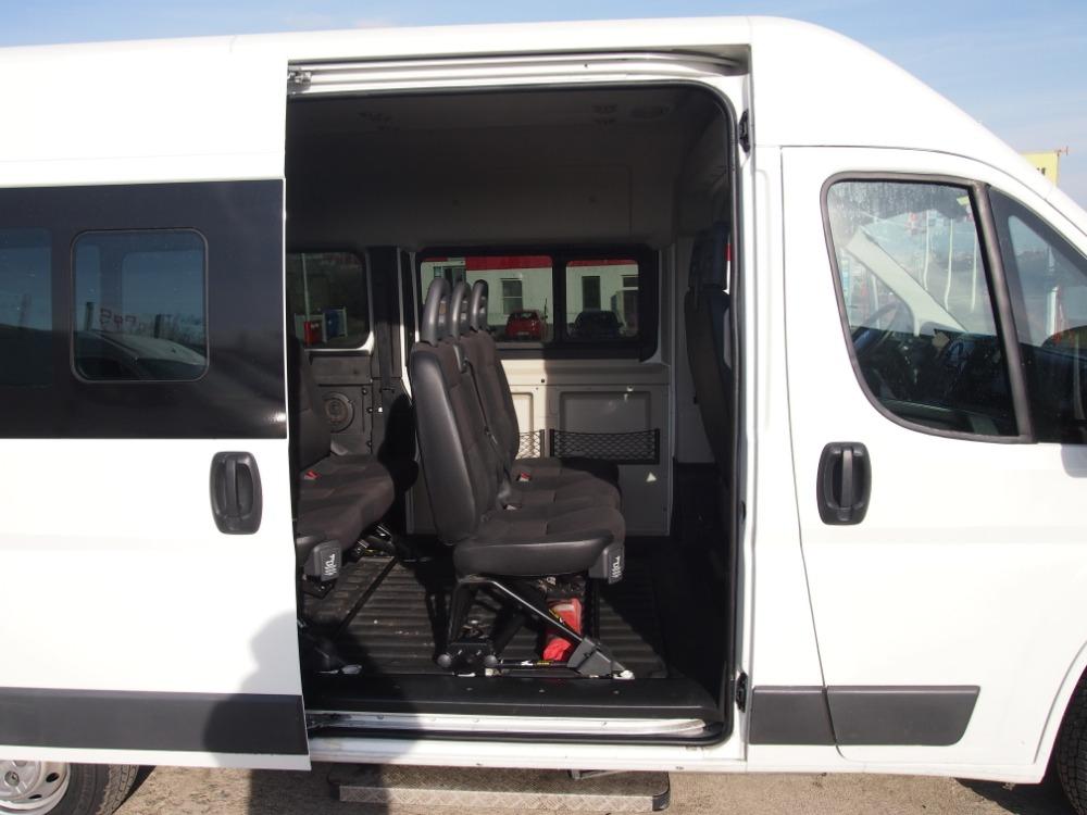 minibus-12
